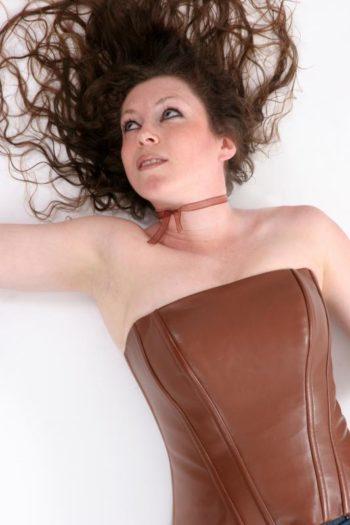 corset en cuir