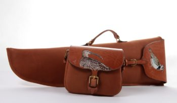 Maryline Lecourtier. Artisan du cuir | Leather hunting set