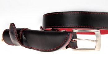 Etui en noir et rouge, sheath in black and red